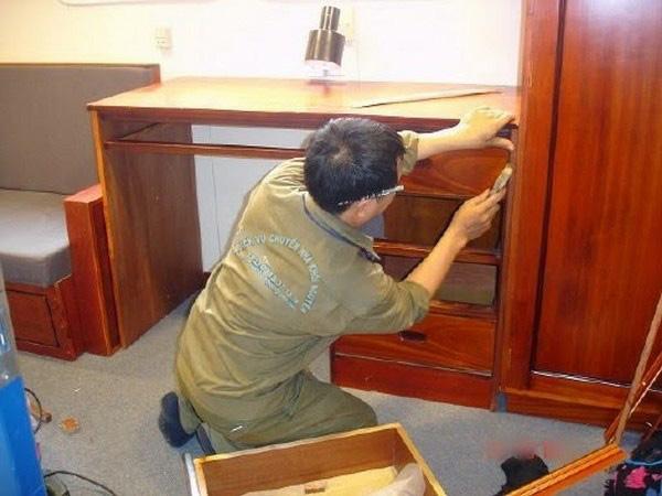 Sửa đồ gỗ tại nhà TP.HCM
